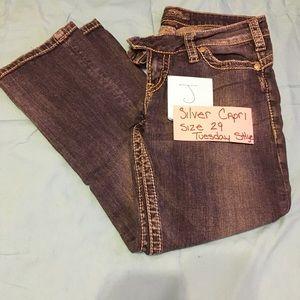 Silver Jeans Tuesday style 16 1/2 Capri Sz 29 (J)